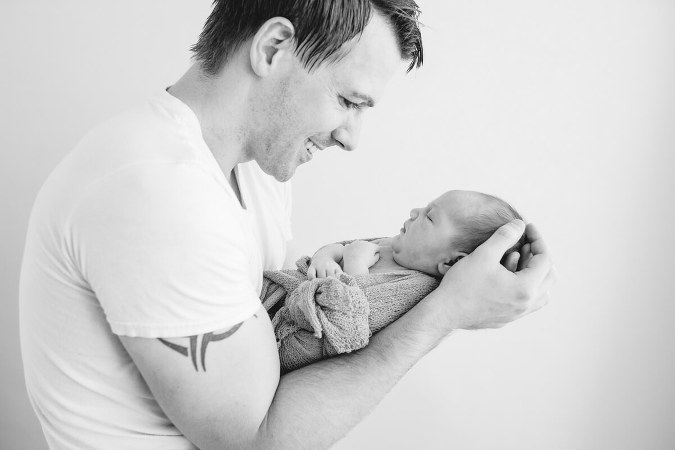 Newborn-photographer-Ajax
