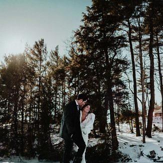 Lake-Muskoka-winter-wedding